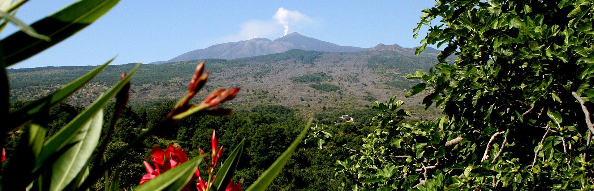 Im Sizilien Urlaub Italiens Landschaft erleben